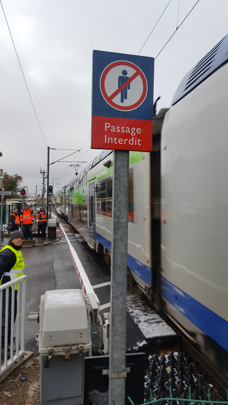 Uic E News 575 5 December 2017 Automatic Railway Gate Control System With High Speed Alerting The International Level Crossing Awareness Day Ilcad Spearheaded By Was Established In 2009 At Initiative Of Elcf Group European